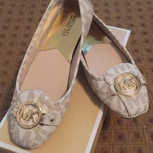 New! Michael Kors driving loafers, size 9